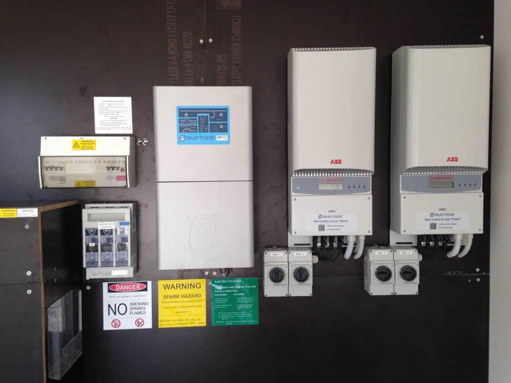 9kW PV1000Ahr 48V Solar Hybrid Installation